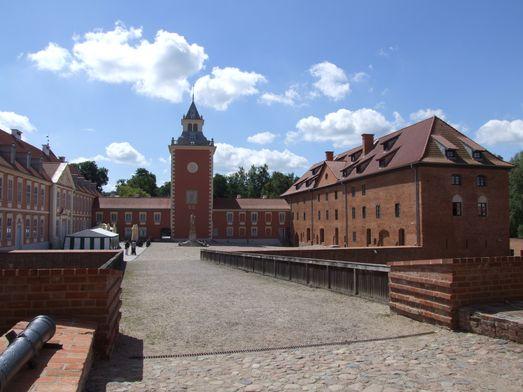 http://www.bratki.com/photos/VP-Poland2/dscfg041.JPG