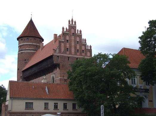 http://www.bratki.com/photos/VP-Poland2/dscfg109.JPG