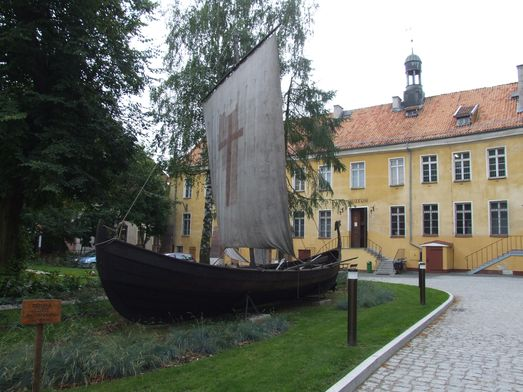 http://www.bratki.com/photos/VP-Poland2/dscfg239.JPG